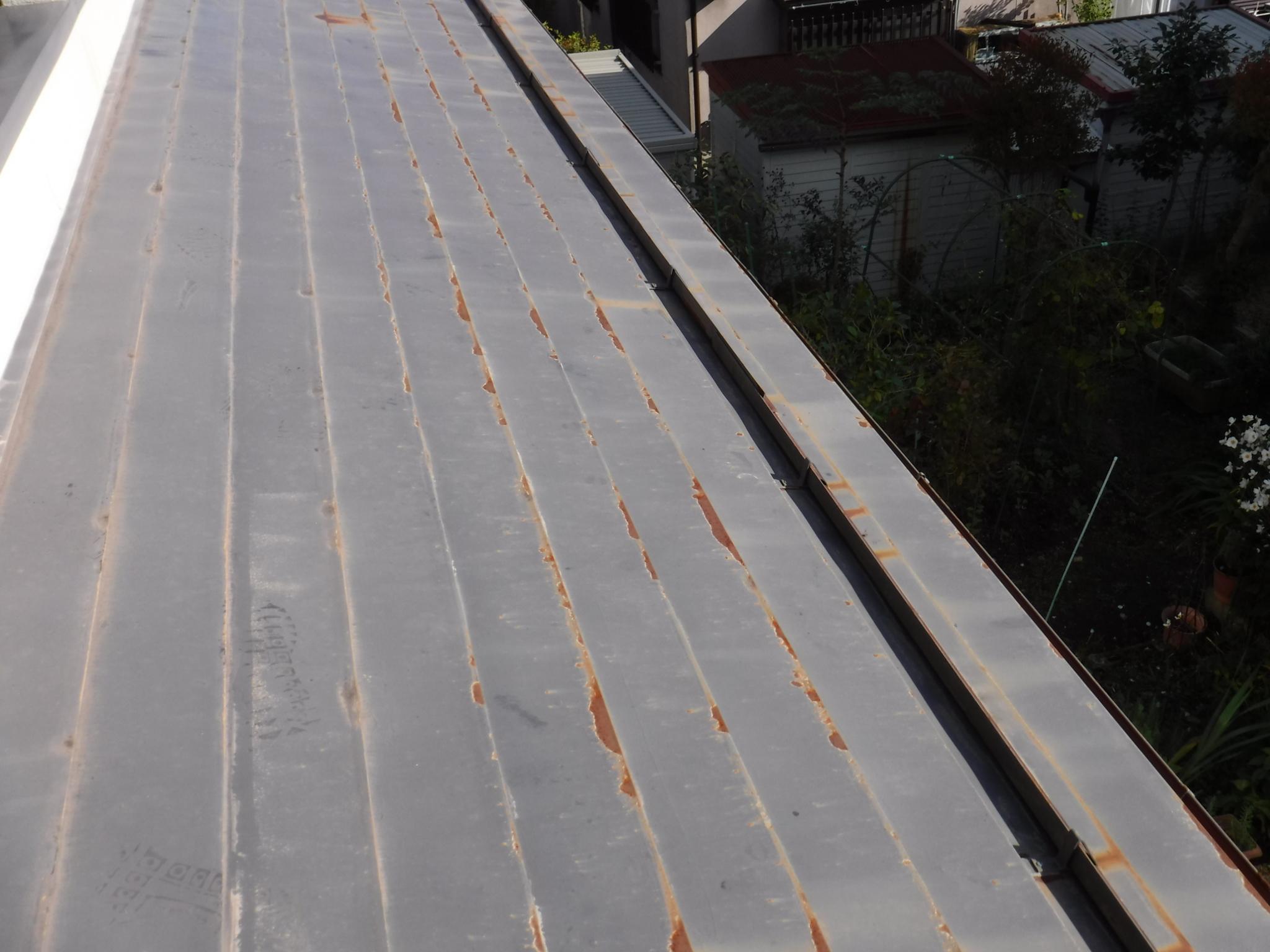 【白河・西郷】金属屋根の塗膜剥離・サビの原因は?(南郷)